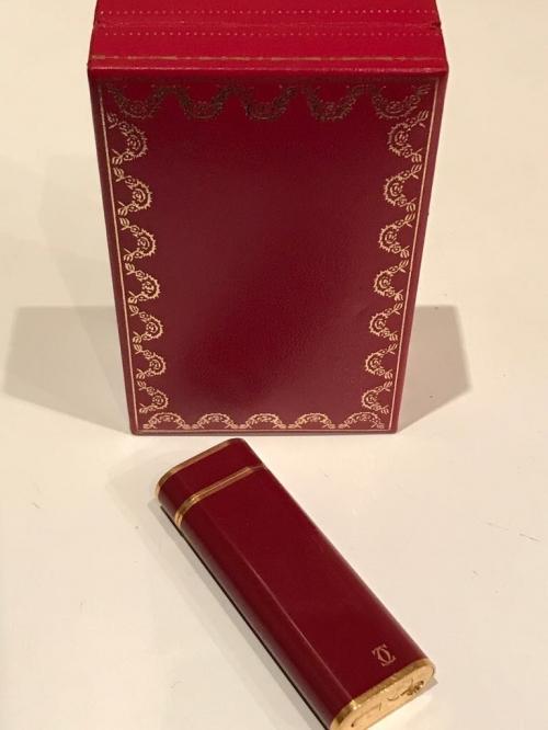 Зажигалка Cartier красный лак