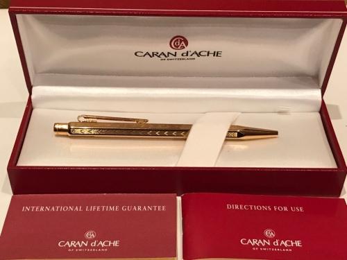 Ручка Caran dAche Ecridor Chevron Gold
